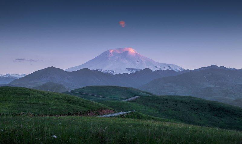 эльбрус, кавказ, горы, закат, облако, приэльбрусье Эльбрусphoto preview