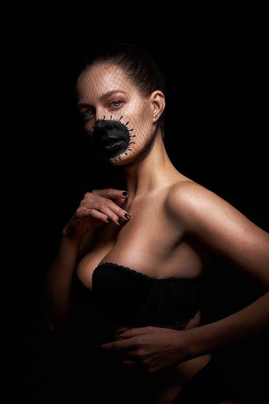 девушка, ковид, концептуально, сети, вирус, сексуальная, красивая, модель, черный, концепт Светаphoto preview