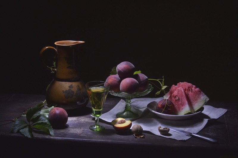 Арбуз, персики, кувшин, натюрморт, лето, июль. Персики.photo preview