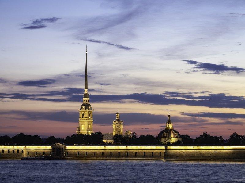 петропавловский собор на закатеphoto preview