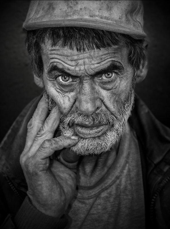 #portrait @face #close-up #eye #male #human #peolple cairdphoto preview