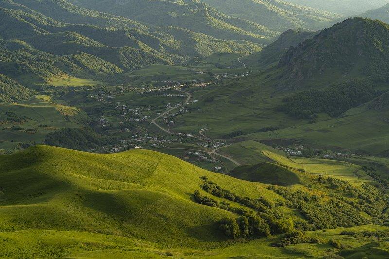 гора, рассвет, небо, плато, облака, вечер, холмы, долина, свет , трава, зелень АУЛ ВЕРХНЯЯ МАРАphoto preview