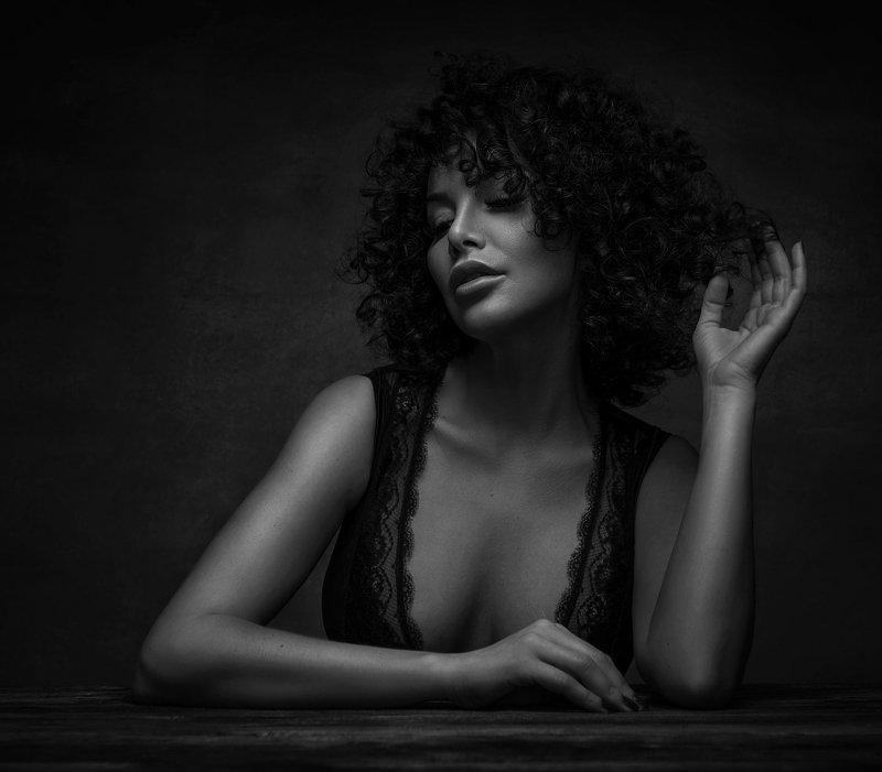 girl,beauty,fashion,portrait,bw,blak,white,black and white, Kingaphoto preview