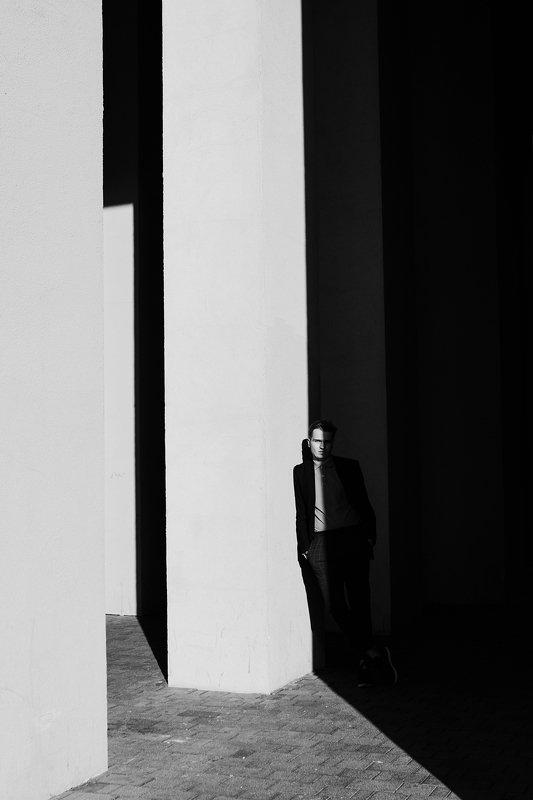 тень, свет, графичность, парень, портрет ***photo preview