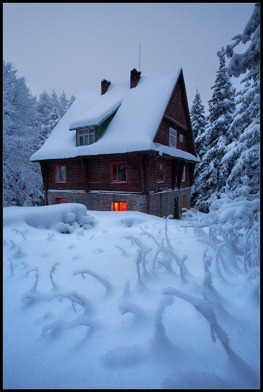 Snow housephoto preview