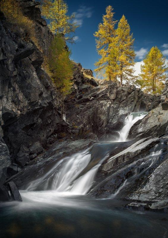 пейзаж, природа, водопад, поток, вода, течение, река, скалы, камни, путешествия, осень, пихта, высокий, падает, ущелье, горы, дерево, голубой, храм, святилище, кокоря, алтай Водопады Кокоряphoto preview