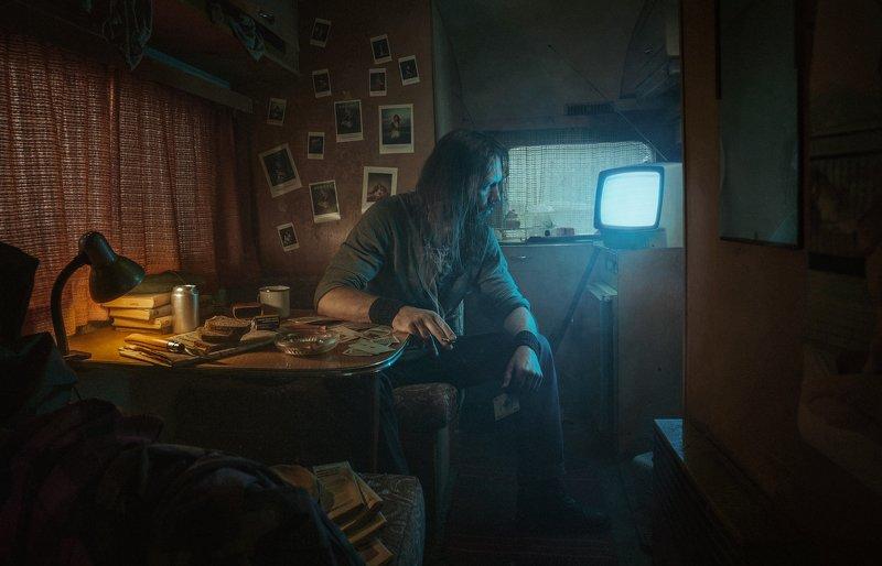 man,lonely,solitude,dark,portrait,cinematic,trailer,lonely,teal,orange, The trailerphoto preview