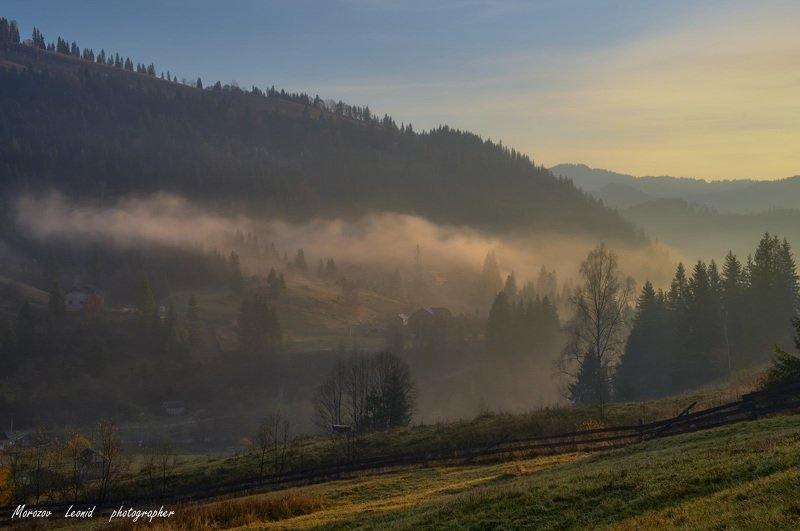 #nature, #туман, #лес, #oсень, #украина, #карпаты, #пейзаж, #закат, #туман, #солнце, #свет, #mountain range, #mountains, #туризм, #лес, #nature, #природа, Карпатиphoto preview