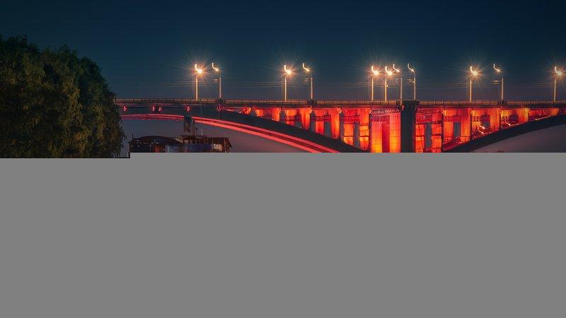 пейзаж, город, красноярск, енисей, сибирь, мост, коммунальный, свет, подсветка, красный, отражения, вода, корабль, пристань, набережная, ночь Красным по синемуphoto preview