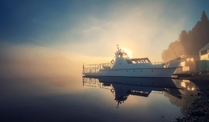 алтай, телецкое, туман, рассвет, корабль, путешествие Корсар на Телецкомphoto preview