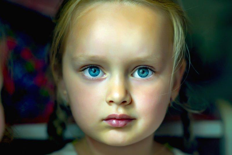 девочка, красавица, славянская внешность, прямой взгляд, голубые глаза Русская душаphoto preview