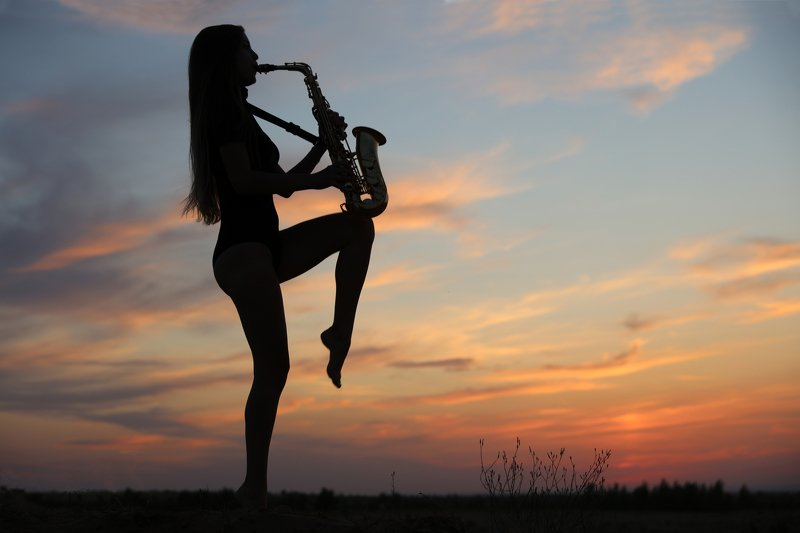 sunset,sax,saxophone,girl,woman,закат, девушка,саксофон,силуэт, мелодия, музыка, Sunset melodyphoto preview