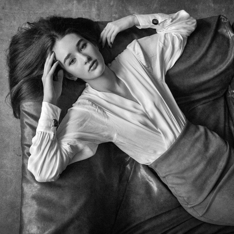 портрет, черно-белое Валерияphoto preview