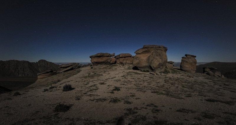 эльбрус, каменные, грибы, ночь Подлунные грибы...photo preview