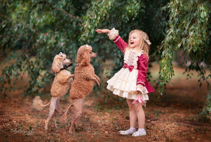 детская фотосессия, фотосессия с животными, пудель, дети, фотограф, Елена Селютина, children photo, kids photographer Ап! И т̶и̶г̶р̶ы пудели у ног моих встали! photo preview