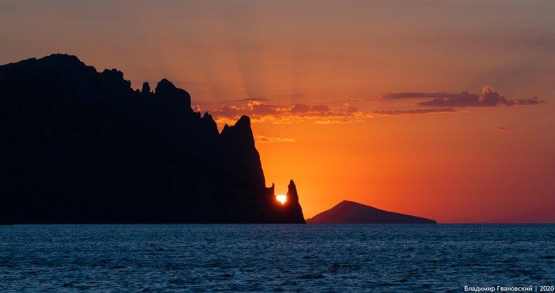 Солнце в ладони Кара-Дагаphoto preview