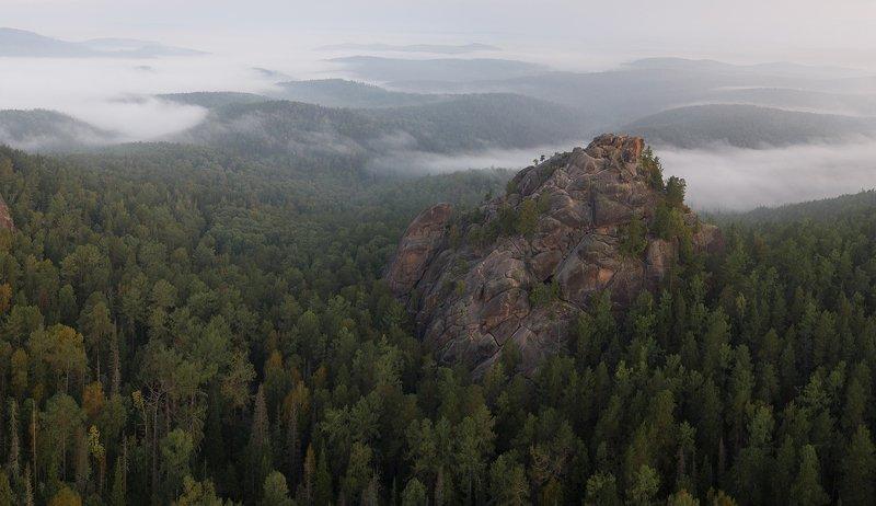 столбы, красноярские, пейзаж, красиво, лето, туман, заповедник, август, хайкинг, тревел, туризм Первый Столбphoto preview