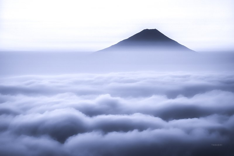Fuji,japan,mountain,clouds, The world above the thin sea of cloudsphoto preview