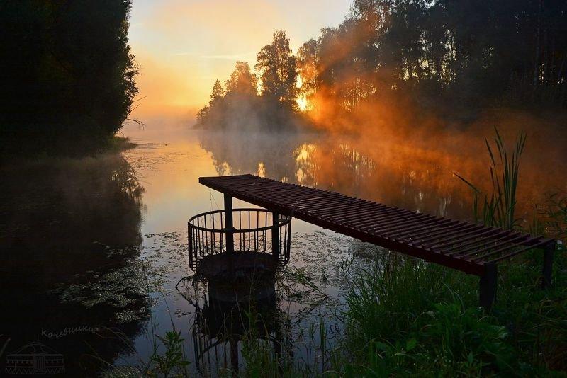 рассвет, деревенские пейзажи Деревенский пруд на рассветеphoto preview