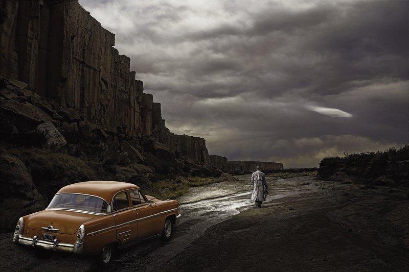car, ufo, larioja visitorphoto preview