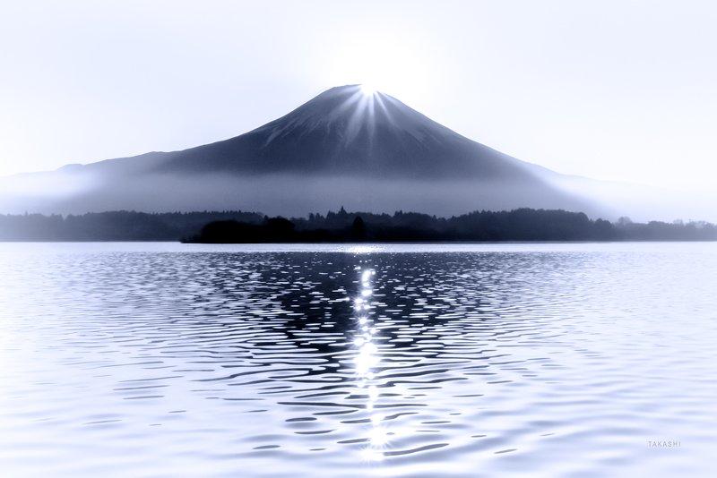 Fuji,Japan,lake,water,reflection,diamond,sun. Diamondsphoto preview