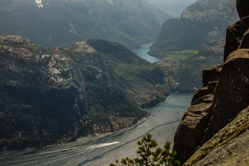 норвегия, прекестулен, скала, пропасть, утёс, люсе-фьорд, Вид с утёса Прекестулен. Люсе-фьорды с высоты 600мphoto preview