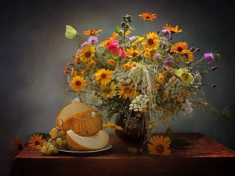 натюрморт, лето, цветы, дыня Ускользающее летоphoto preview
