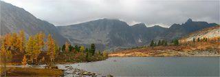 осень к озеру пришла...