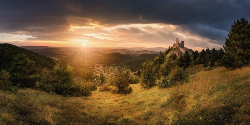 Evening at the Cachtice castle фото превью