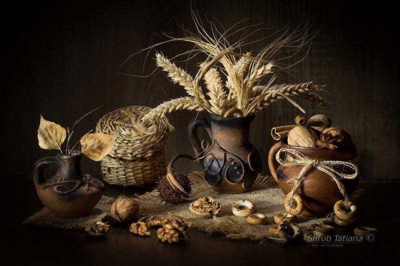 орехи, ваза, колоски, сушки С ореховым спасом!photo preview