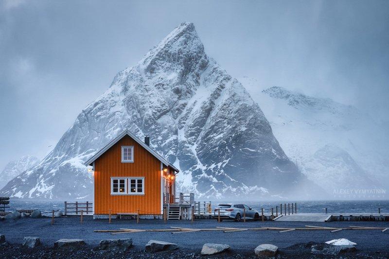 norway, lofoten, islands, home, car, mountain, outdoor, landscape, winter Зимнее настроениеphoto preview