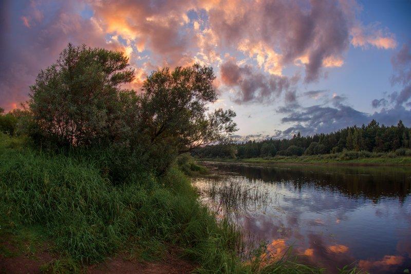 река, закат, молога, вечер, тучи, облака, лето, август пурпурный августphoto preview