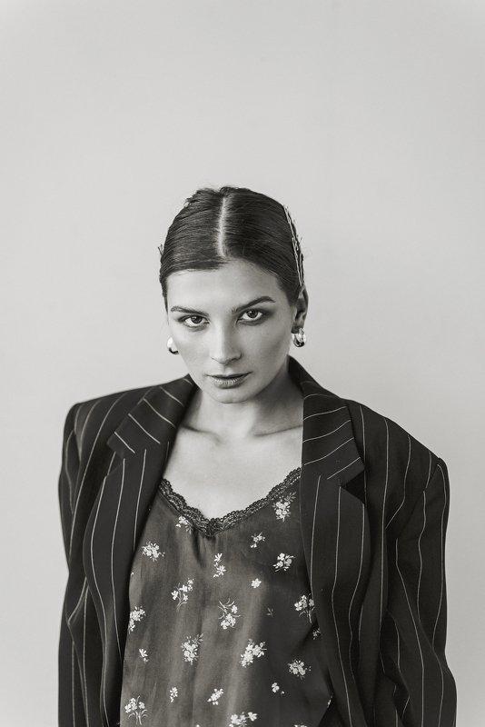 портрет, женщина, женский портрет Женский портретphoto preview