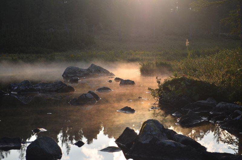 кузнецкий алатау, поднебесные зубья, золотая долина, озеро круглое Утренний туманчик на Круглом озереphoto preview