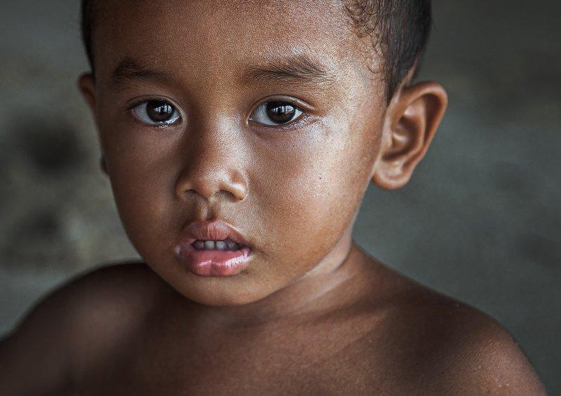 bali, путешествие, портрет, дети, детский портрет, бали, индонезия, глаза, цветное, travel, portrait Indonesian childphoto preview