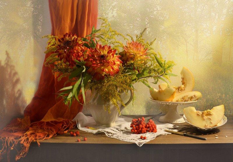 still life,натюрморт, цветы, фото натюрморт, сентябрь, рябина, осень,  дыня, георгины, Я грущу о тебе,уходящее лето...photo preview