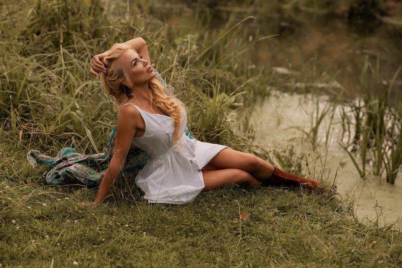 берег, село, река, лето от чего так в России березы шумятphoto preview
