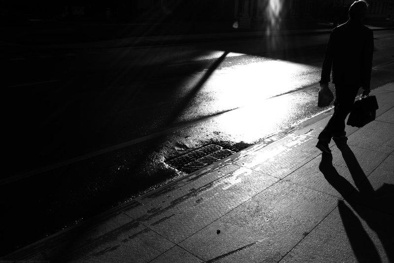 bnw, black and white, monochrome, minimalism, urban, city, street photography, street photo, город, улица, , свет, тень, ***photo preview