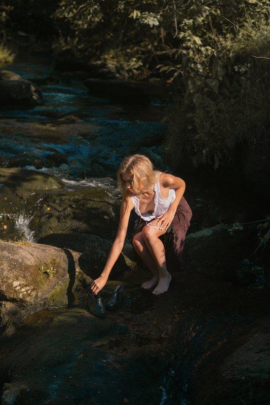 галоши, река, село купила мама леше красивые галошиphoto preview