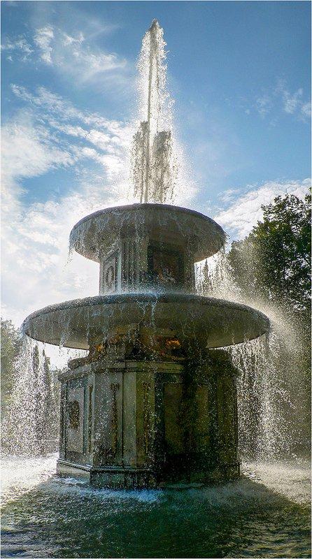 фонтан Римский Фонтан. Петергоф.photo preview