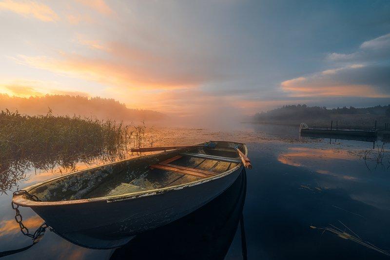 лодка, карелия, республика карелия, рассвет, туман, небо, озеро, пейзаж, россия, sunrise, lake, boat Нежный рассвет на ладожском озереphoto preview