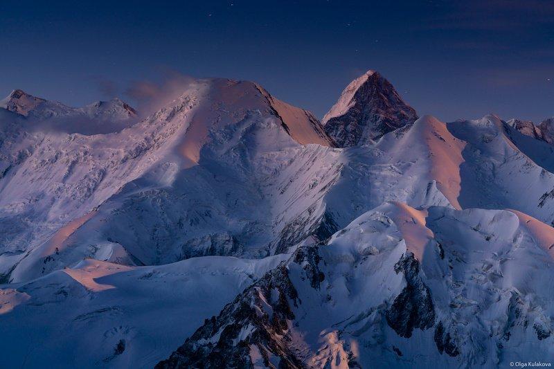 тянь-шань, горы, рассвет На рассвете горы пахнут ветромphoto preview