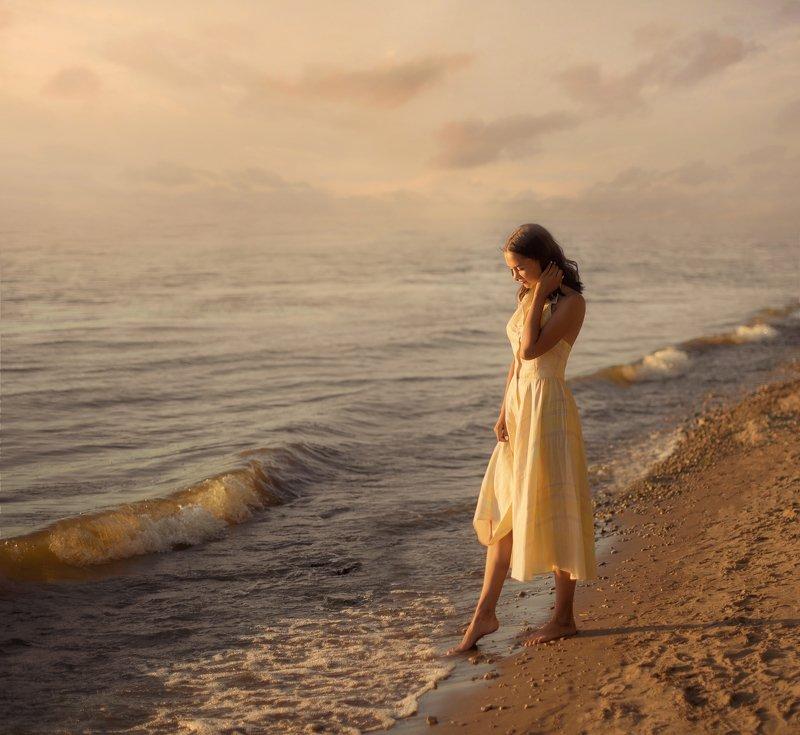 закат, девушка, лето, солнце, романтика, море, пляж Сашаphoto preview