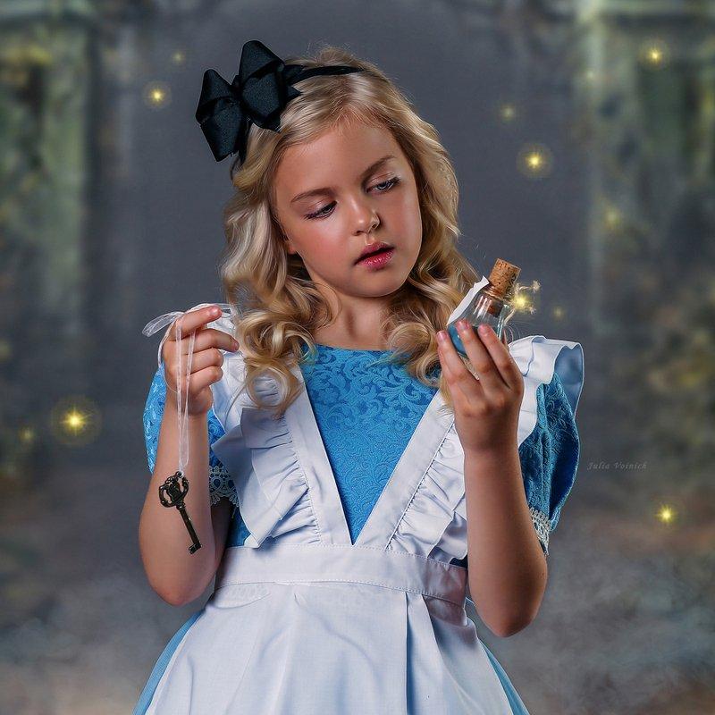 Alice in wonderlandphoto preview