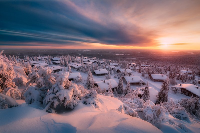 зима, снег, закат, лапландия, солнце, избушки, облака Спящие в снегахphoto preview