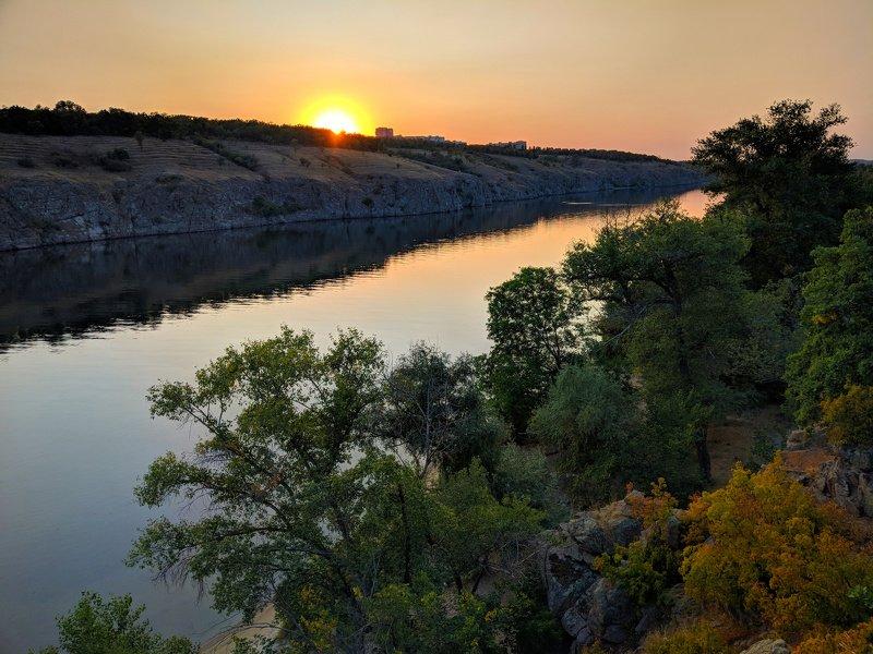 пейзаж,закат,краски,небо,landscape,sky,sunset,река,отражение,вода,дерево,вечер,хортица,релакс ***photo preview