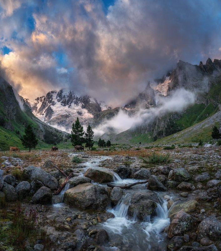 рассвет, эльбрус, пейзаж, горы, небо, облака, холмы,  ущелье адыр-су,  уллу тау, Рассвет в ущелье Адыр-Суphoto preview