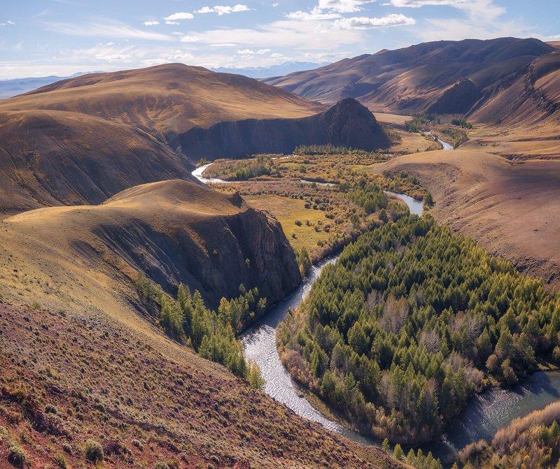 ...Долина реки Кызылшин...photo preview