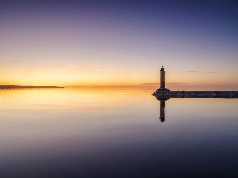 маяк вуохенсало на закатеphoto preview
