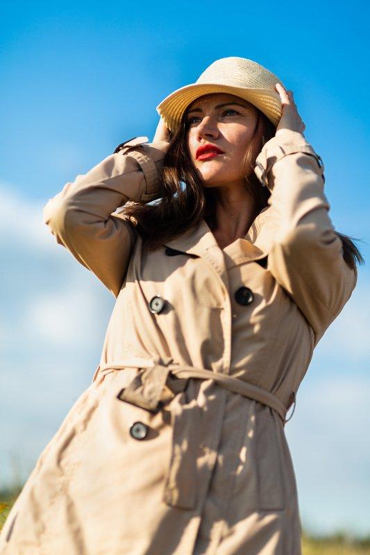 портрет, женский портрет, уличный портрет, шляпа,  portrait, woman portrait, street portrait, hat, colour, цвет ***photo preview